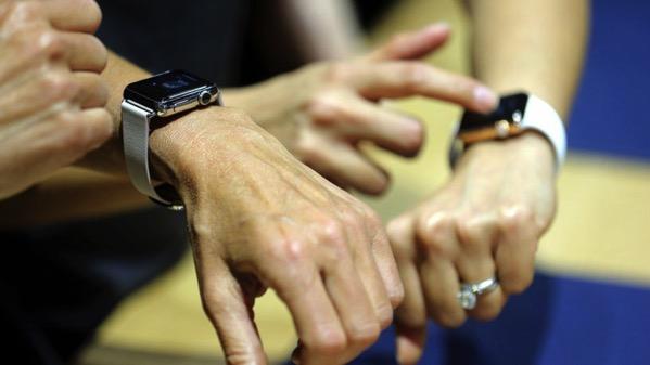 Apple watchユーザーは握手で情報交換!Appleが申請中の特許技術がスゴい!