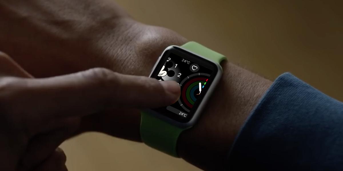 """watchOS 3の新機能""""スワイプで文字盤を切り替え""""の操作は意外にコツが必要!?"""
