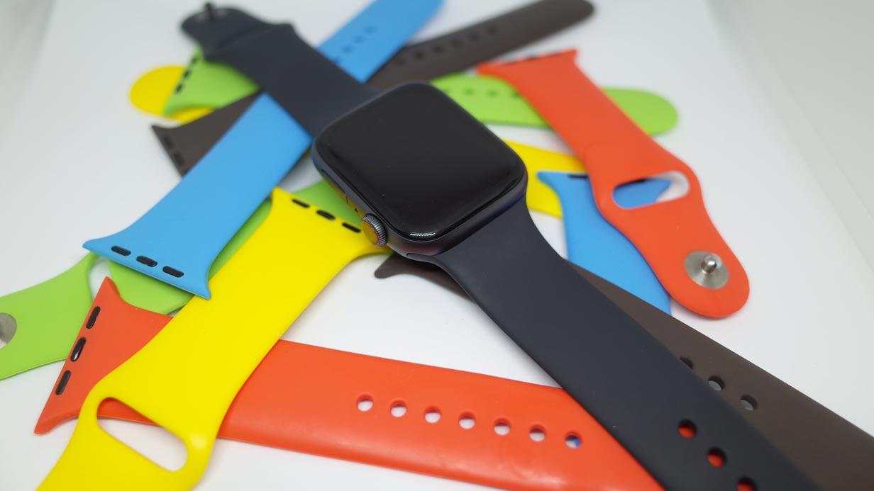 Apple Watchのバンドの互換性問題!44mm用と42mm用、40mm用と38mm用のバンドに違いはあるの?