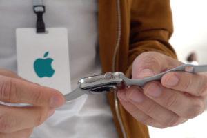 新素材「チタニウム」の質感が気になる人は要チェック!AppleWatch Series5のハンズオン動画